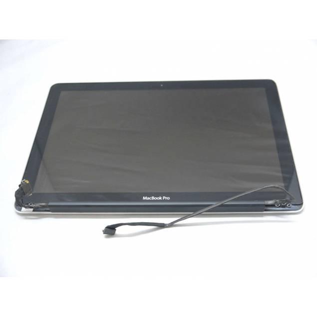"""Macbook Pro 13"""" skærm sort. Original - Macbook Pro 13"""" skærm sort. Original.Oplev hvordan det kan føles at føle at få en helt ny Macbook Pro 13"""" uden at betale de mange penge det kræver at købe en ny Macbook."""