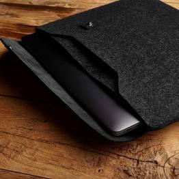 """Image of   Mujjo Sleeve 13"""" Premium læder sleeve til den nye MacBook Pro 13"""" Farve Sort"""