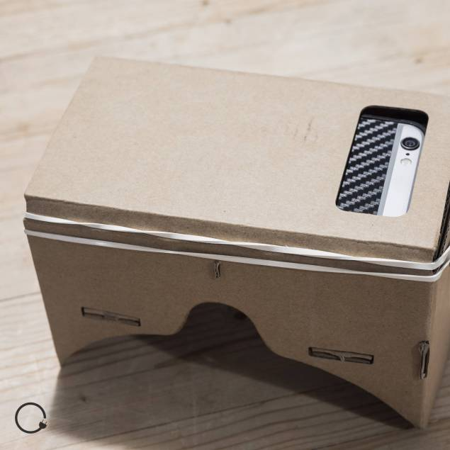 Image of   Cardboard med linser Google