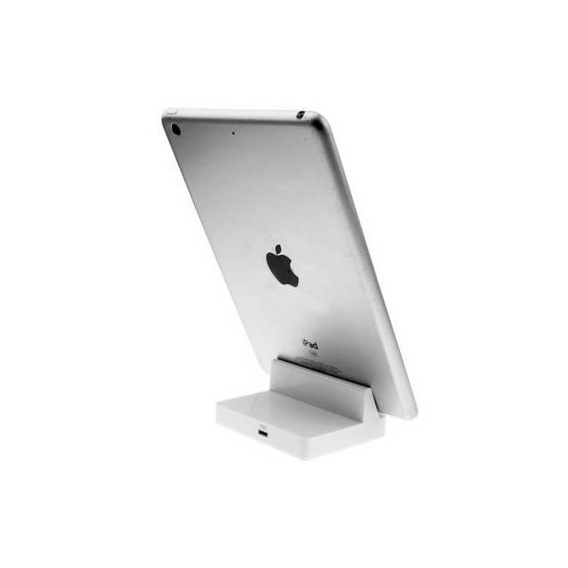 iPad dock med Lightning stik vertikal - iPad docken sætter din iPad på højkant, så du kan læse på din iPad imens den sidder til opladning, hvis du vil have en dock som er god til film, kan du se på vores Alu iPad dock. iPad docken er lavet af plastik og passer til alle iPads. Farven er rigtigt